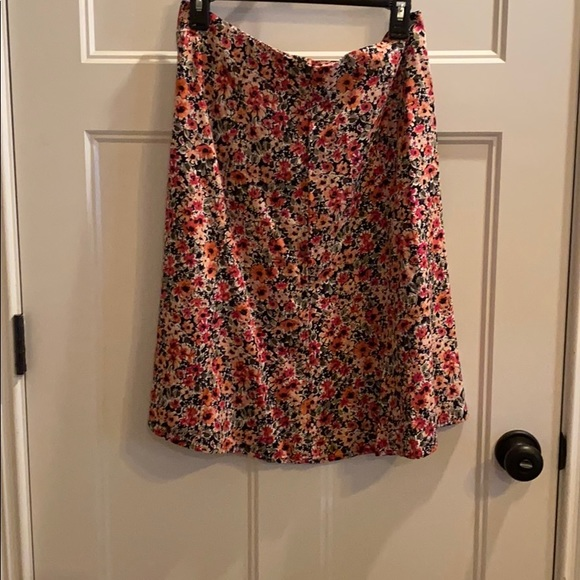 Christopher and Banks Size 4 Floral Skirt